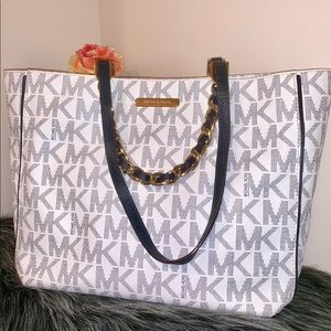 🎉HP🎉 NEW MICHEAL KORS TOTE